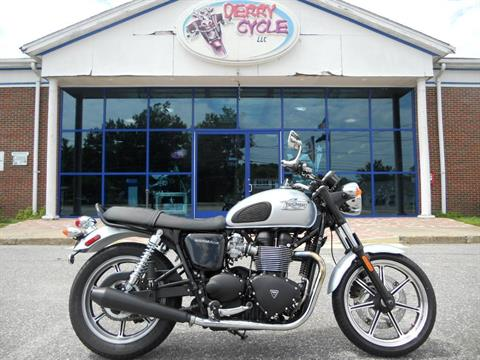 2014 Triumph Bonneville in Derry, New Hampshire