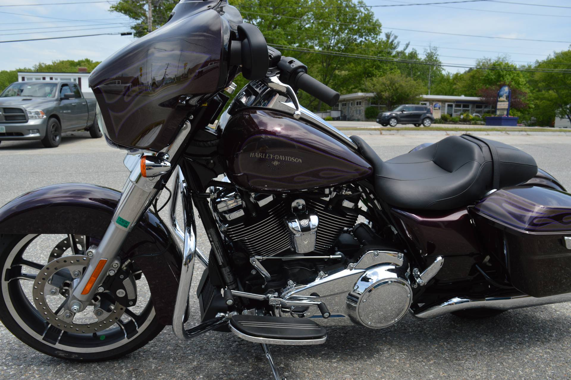 2017 Harley-Davidson Street Glide® Special in Derry, New Hampshire