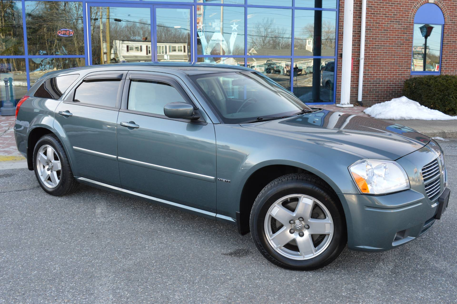 2006 Dodge MAGNUM R/T AWD in Derry, New Hampshire - Photo 4