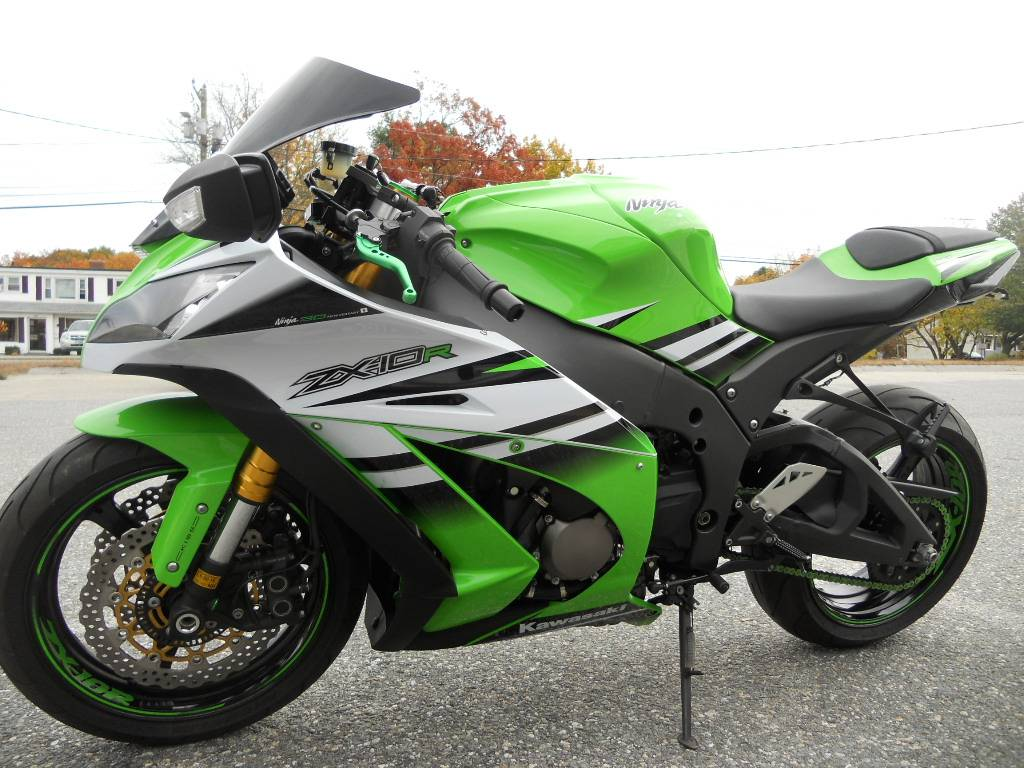 2015 Kawasaki Ninja® ZX™-10R ABS 30th Anniversary in Derry, New Hampshire - Photo 8