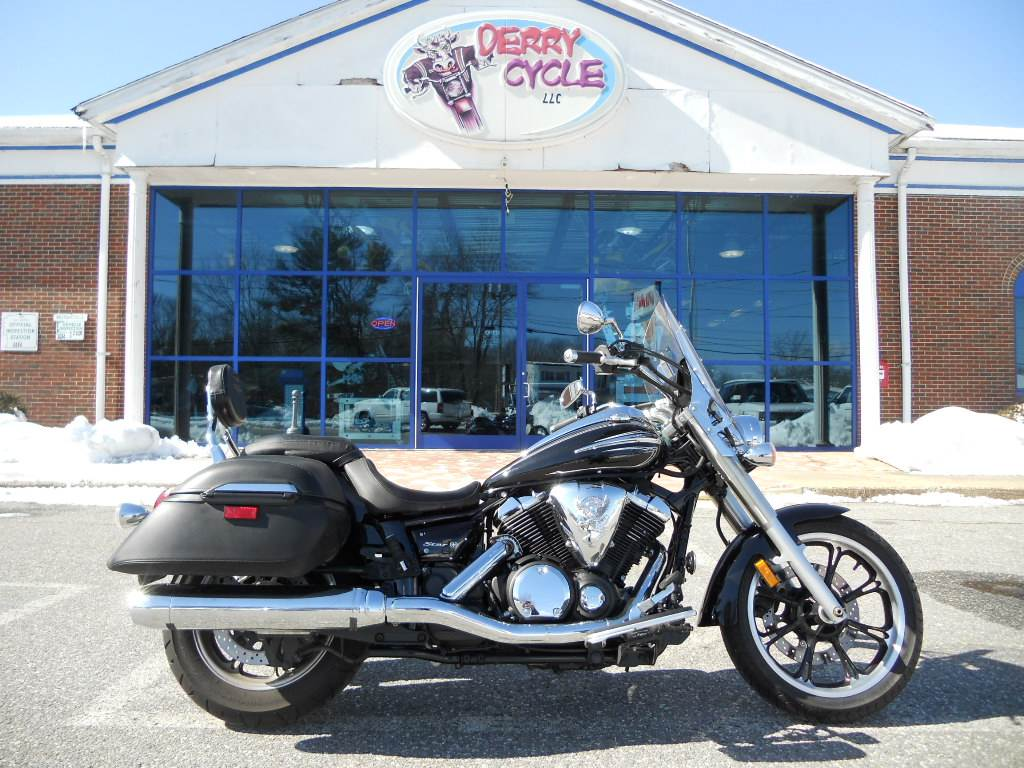 2012 Yamaha V Star 950 Tourer in Derry, New Hampshire