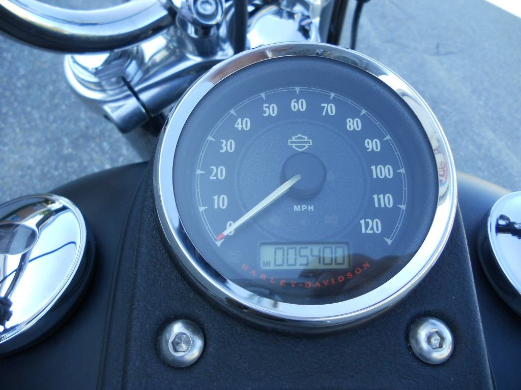 2012 Harley-Davidson Dyna® Street Bob® in Derry, New Hampshire - Photo 7