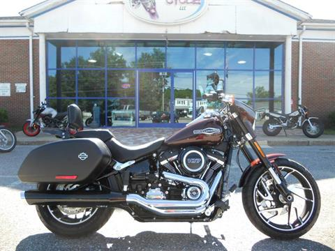 2018 Harley-Davidson Sport Glide® in Derry, New Hampshire