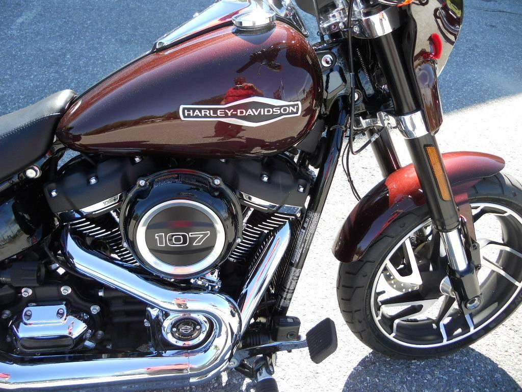 2018 Harley-Davidson Sport Glide® in Derry, New Hampshire