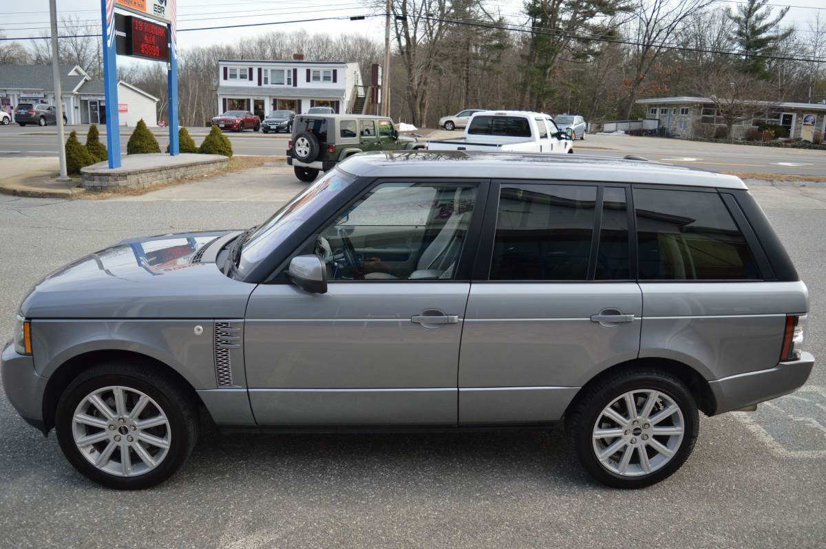 2012 LAND ROVER RANGE ROVER SUPERCHARGED in Derry, New Hampshire - Photo 5