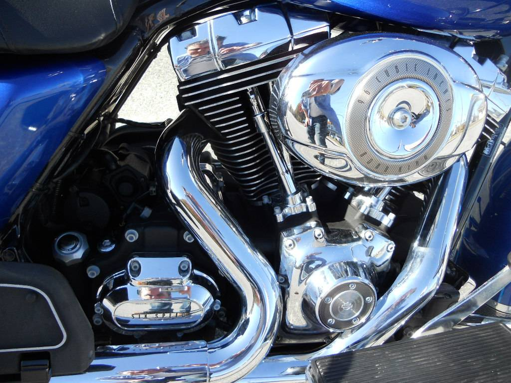 2009 Harley-Davidson Road King® Classic in Derry, New Hampshire - Photo 4
