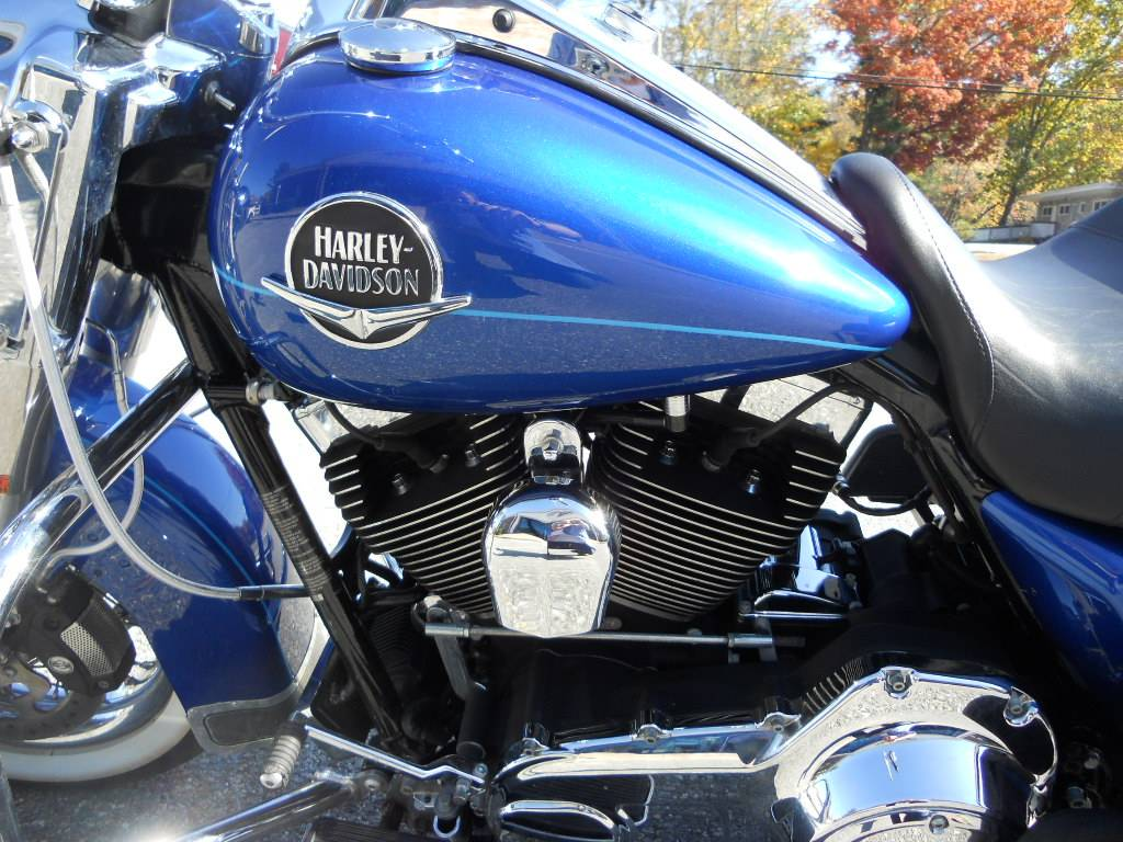 2009 Harley-Davidson Road King® Classic in Derry, New Hampshire - Photo 6