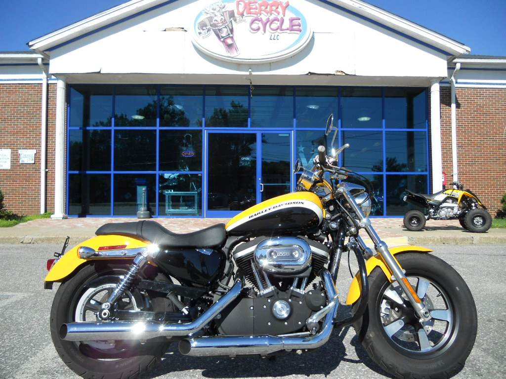 2011 Harley-Davidson XL1200C CUSTOM H-D1 SPORTSTER in Derry, New Hampshire