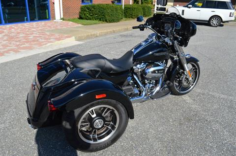 2017 Harley-Davidson Freewheeler in Derry, New Hampshire - Photo 3