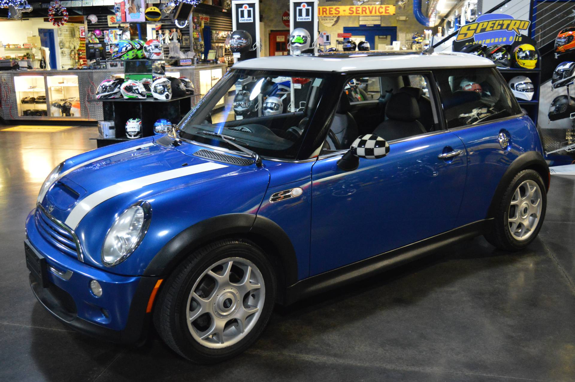 2005 Mini Mini Cooper S in Derry, New Hampshire - Photo 2