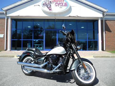 2012 Kawasaki Vulcan® 900 Classic in Derry, New Hampshire