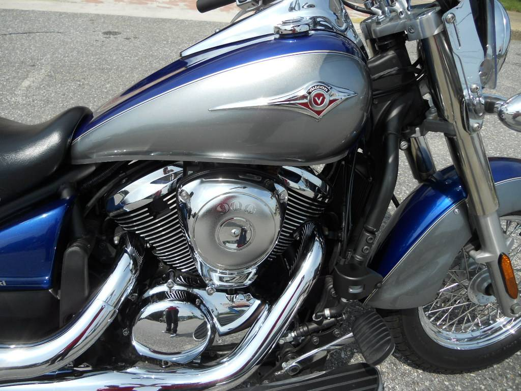 2010 Kawasaki Vulcan® 900 Classic LT in Derry, New Hampshire - Photo 3