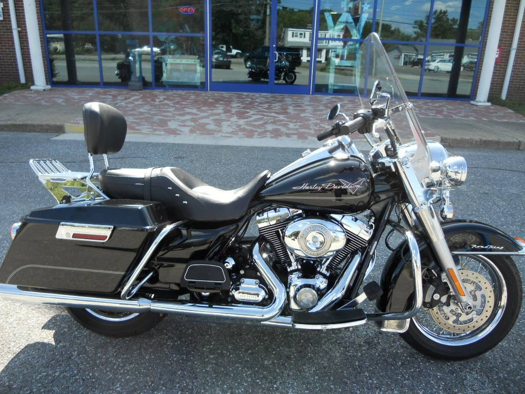 2010 Harley-Davidson Road King® in Derry, New Hampshire - Photo 2
