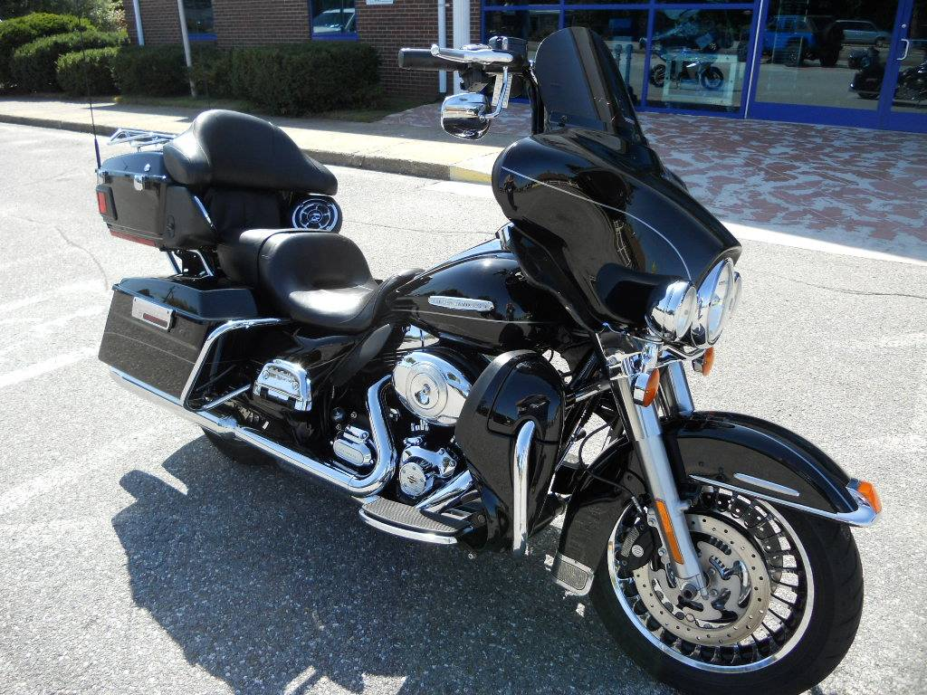 2011 Harley-Davidson Electra Glide® Ultra Limited in Derry, New Hampshire - Photo 2