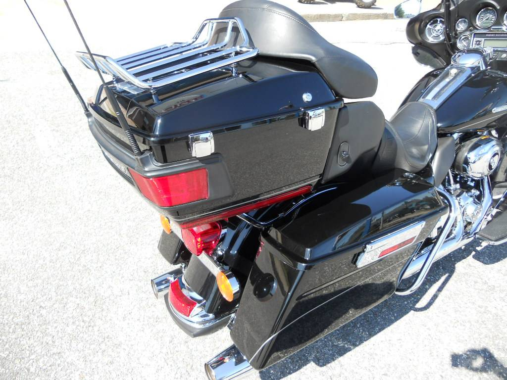 2011 Harley-Davidson Electra Glide® Ultra Limited in Derry, New Hampshire - Photo 5
