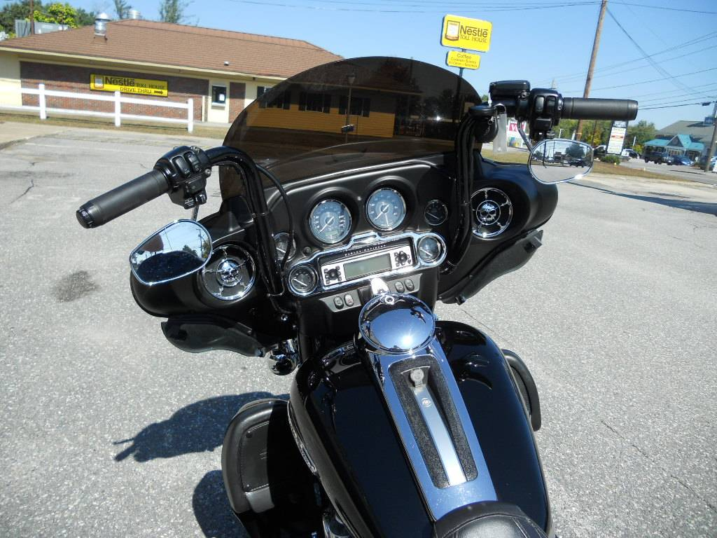 2011 Harley-Davidson Electra Glide® Ultra Limited in Derry, New Hampshire - Photo 7
