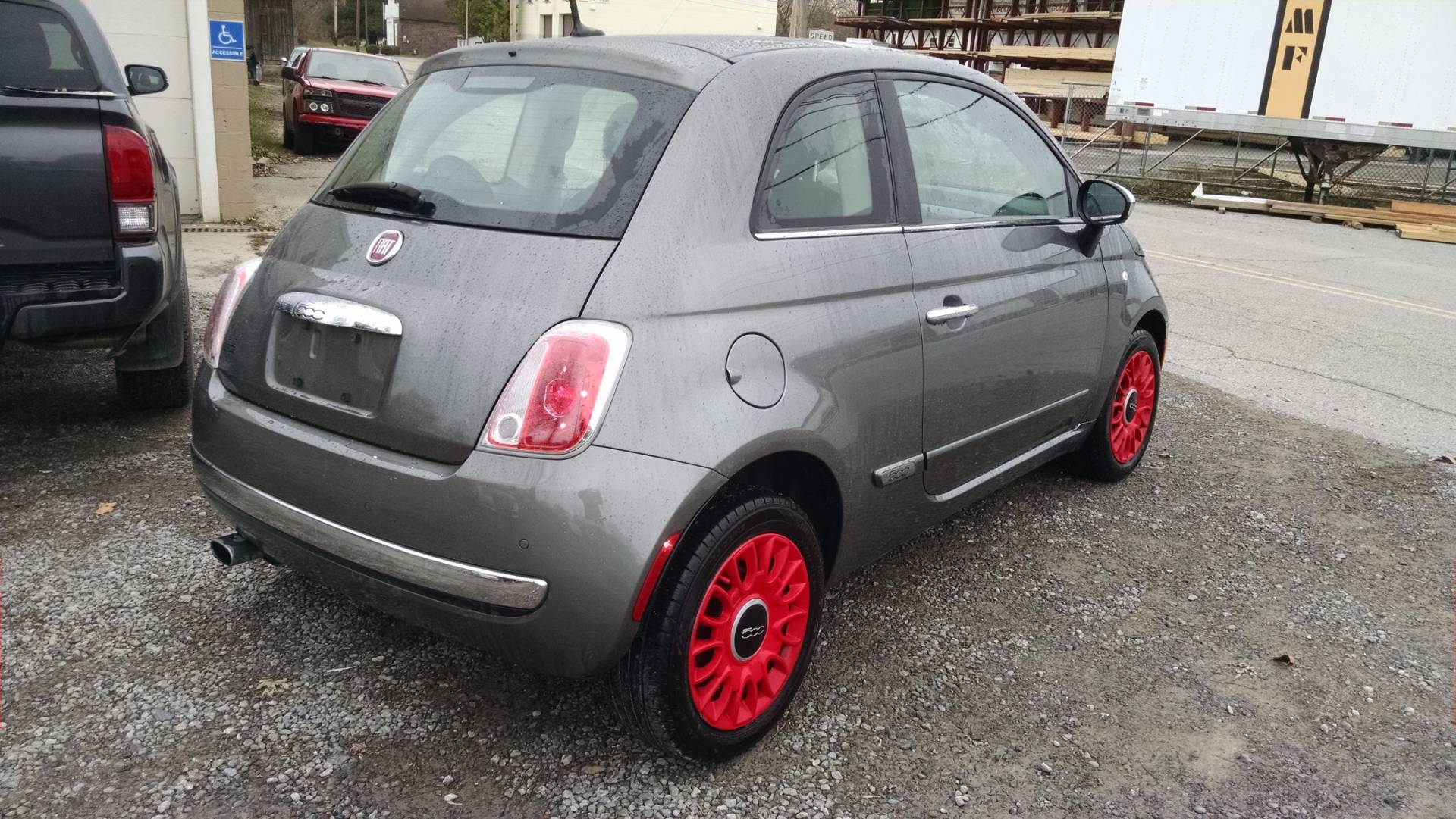 2013 Fiat 500 Lounge 5 spd manual in Harmony, Pennsylvania - Photo 2