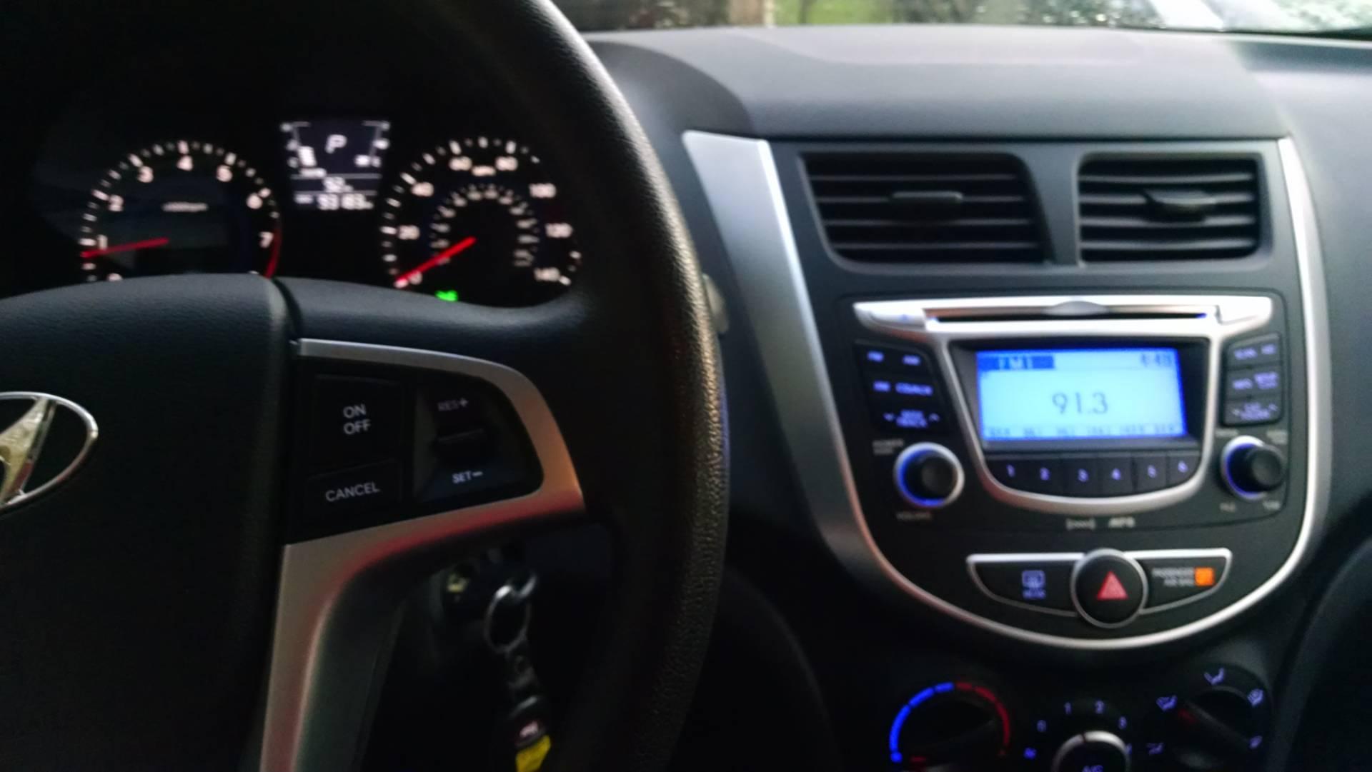 2012  Accent GLS Hatchback 8