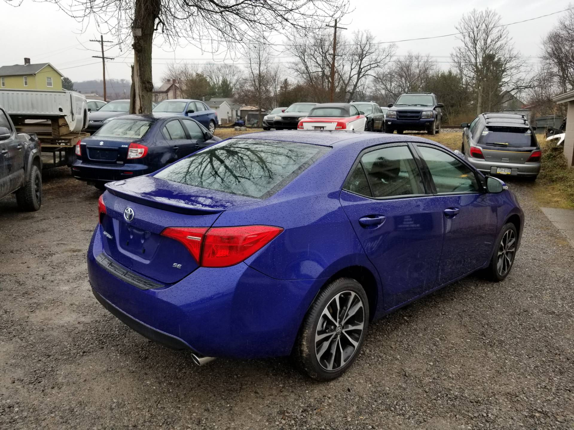2017 Toyota Corrola SE only 400 miles in Harmony, Pennsylvania - Photo 3