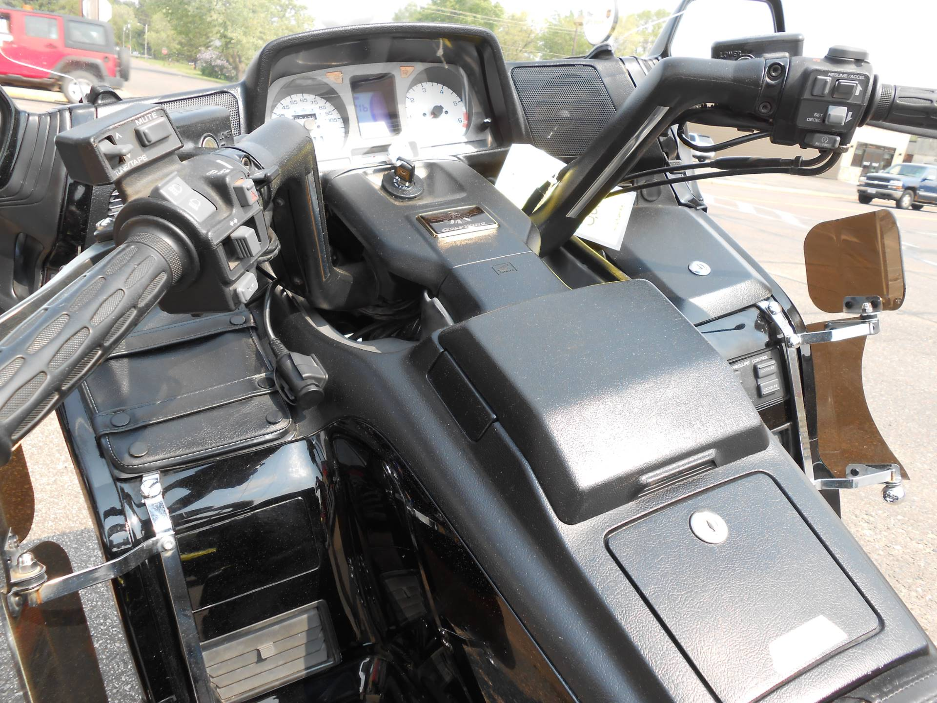 1998 Honda Gold Wing SE in Rice Lake, Wisconsin - Photo 7