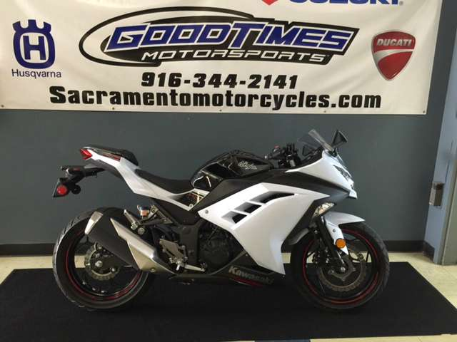 2014 Kawasaki Ninja® 300 ABS SE in Sacramento, California