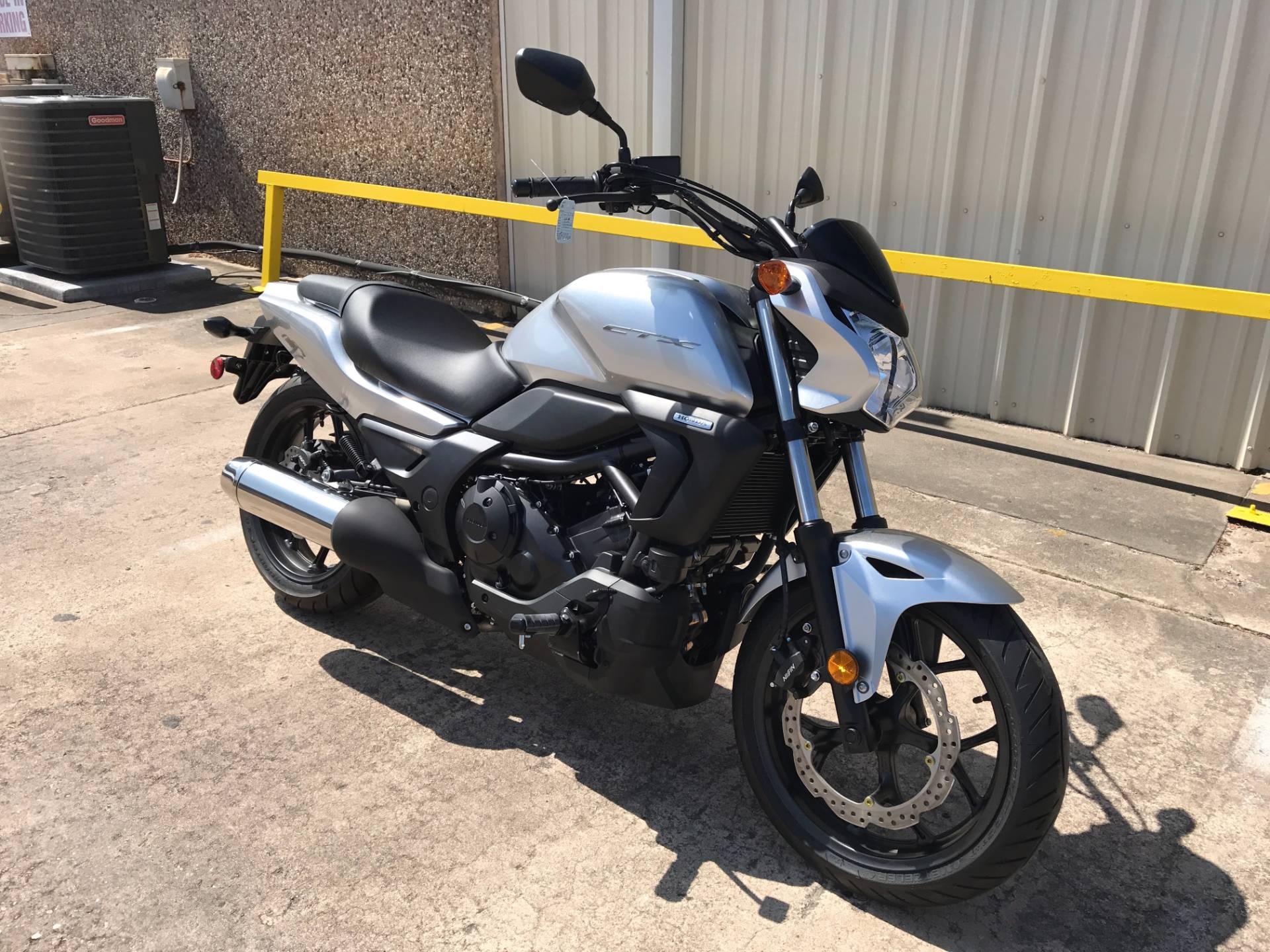 2016 Honda CTX700N in Pasadena, Texas