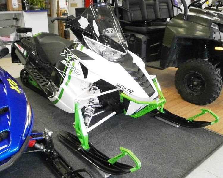 "2015 Arctic Cat XF 9000 137"" Sno Pro Limited ES in Barrington, New Hampshire - Photo 1"