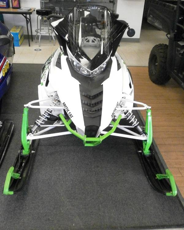 "2015 Arctic Cat XF 9000 137"" Sno Pro Limited ES in Barrington, New Hampshire - Photo 2"