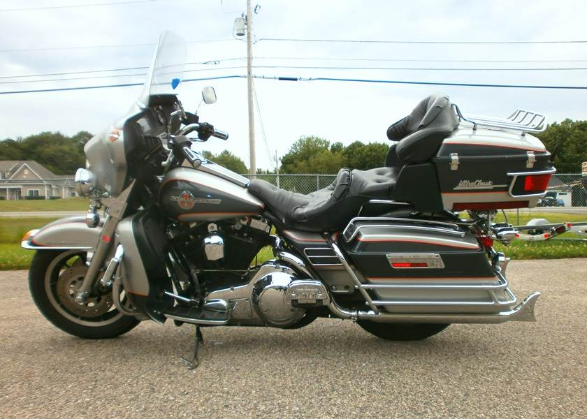 1993 Harley-Davidson Ultra Classic FLHTCU in Barrington, New Hampshire