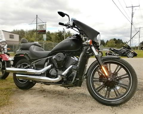 2010 Kawasaki Vulcan® 900 Custom in Barrington, New Hampshire