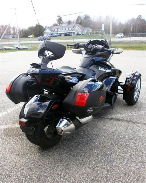 2013 Can-Am Spyder® ST Limited in Barrington, New Hampshire