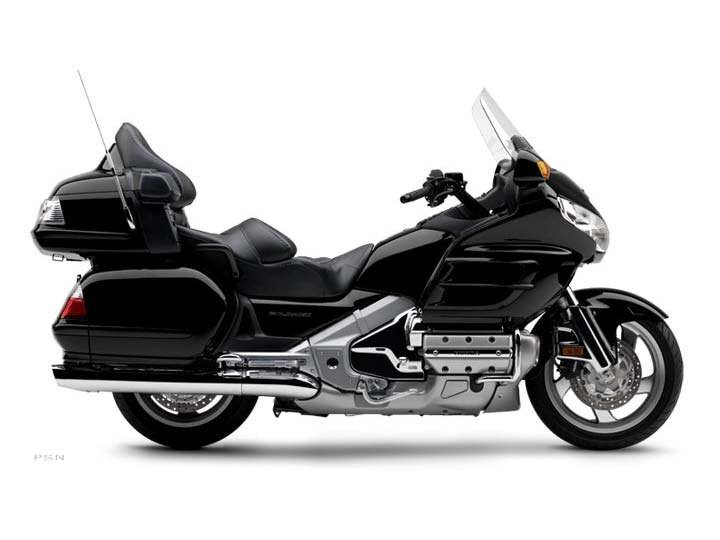 2006 Honda Gold Wing® Audio / Comfort in Hicksville, New York - Photo 2