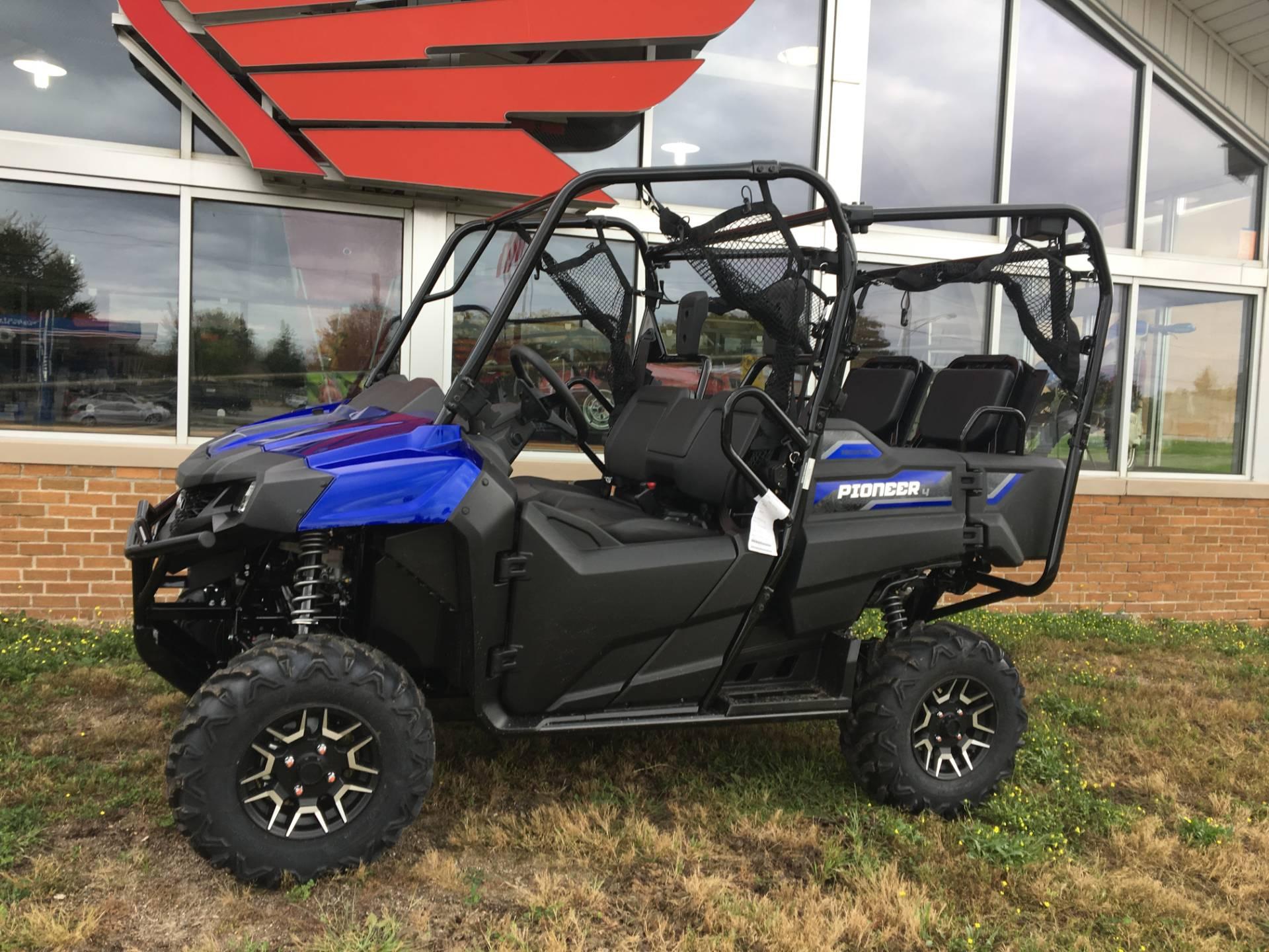 2019 Pioneer 700-4 Deluxe