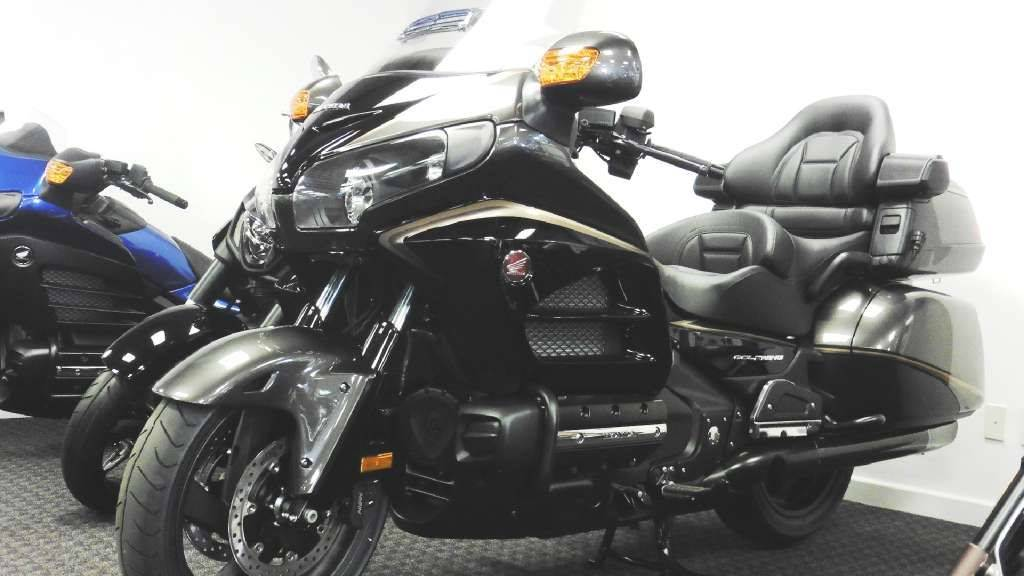 2016 Honda Gold Wing Audio Comfort Grey Metallic / Black in Lapeer, Michigan