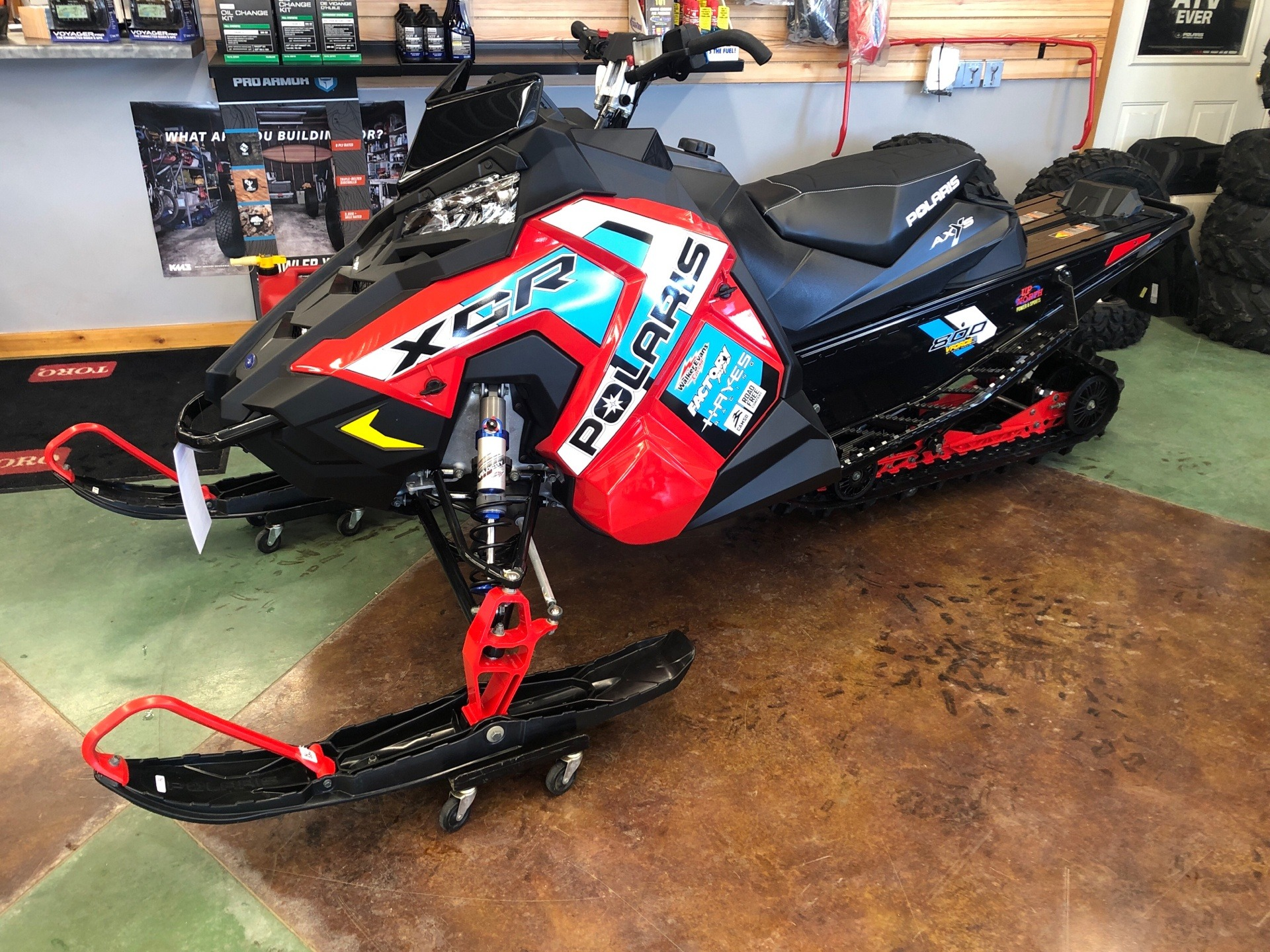 2020 Polaris 800 Indy XCR SC in Park Rapids, Minnesota - Photo 2
