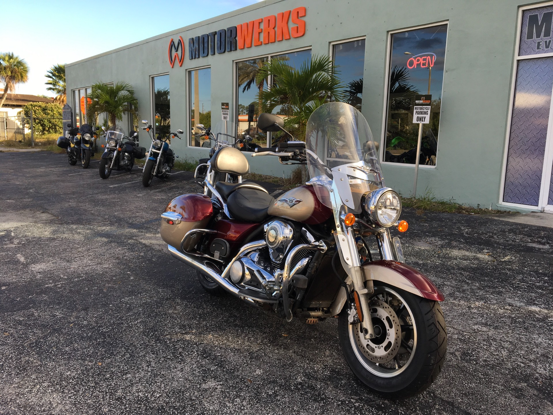 2009 Kawasaki Vulcan Nomad in Cocoa, Florida - Photo 2