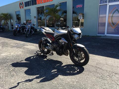 2018 TRIUMPH  Speed Triple 765 R in Cocoa, Florida - Photo 2