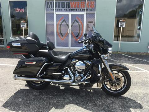 2014 Harley-Davidson Limited in Cocoa, Florida