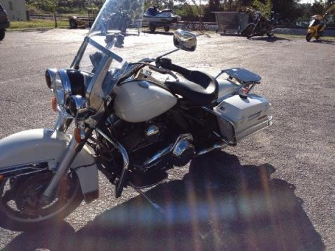 2010 Harley-Davidson ROAD KING in Cocoa, Florida - Photo 4