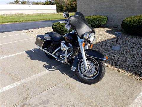 2001 Harley-Davidson FLHT Electra Glide® Standard in Rock Falls, Illinois - Photo 2