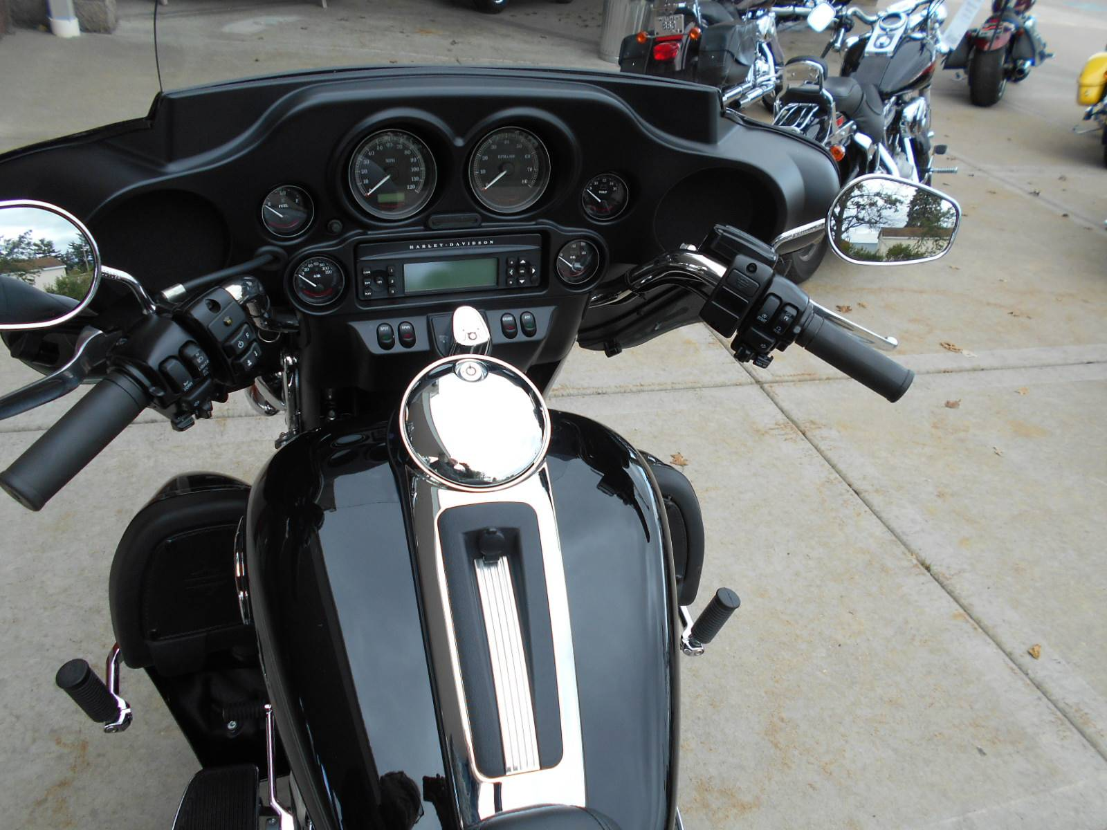 2013 Harley-Davidson Tri Glide® Ultra Classic® in Mauston, Wisconsin - Photo 9