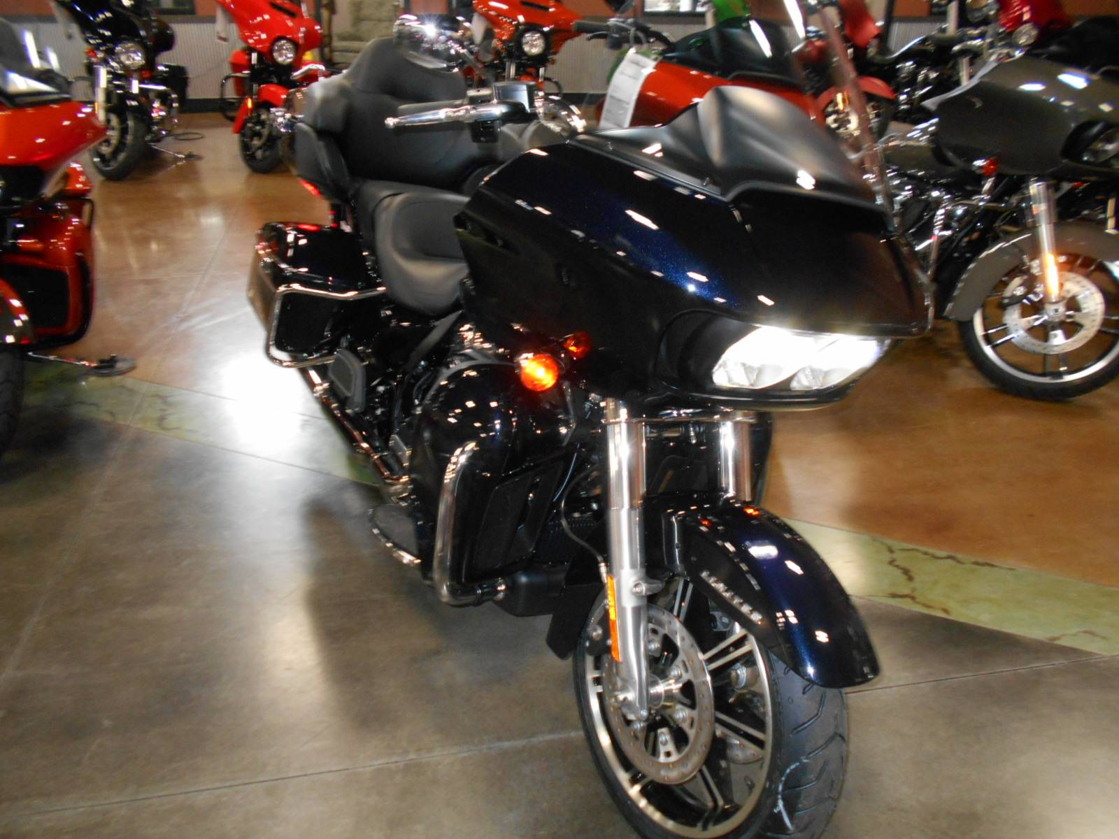 2020 Harley-Davidson Road Glide® Limited in Mauston, Wisconsin - Photo 5