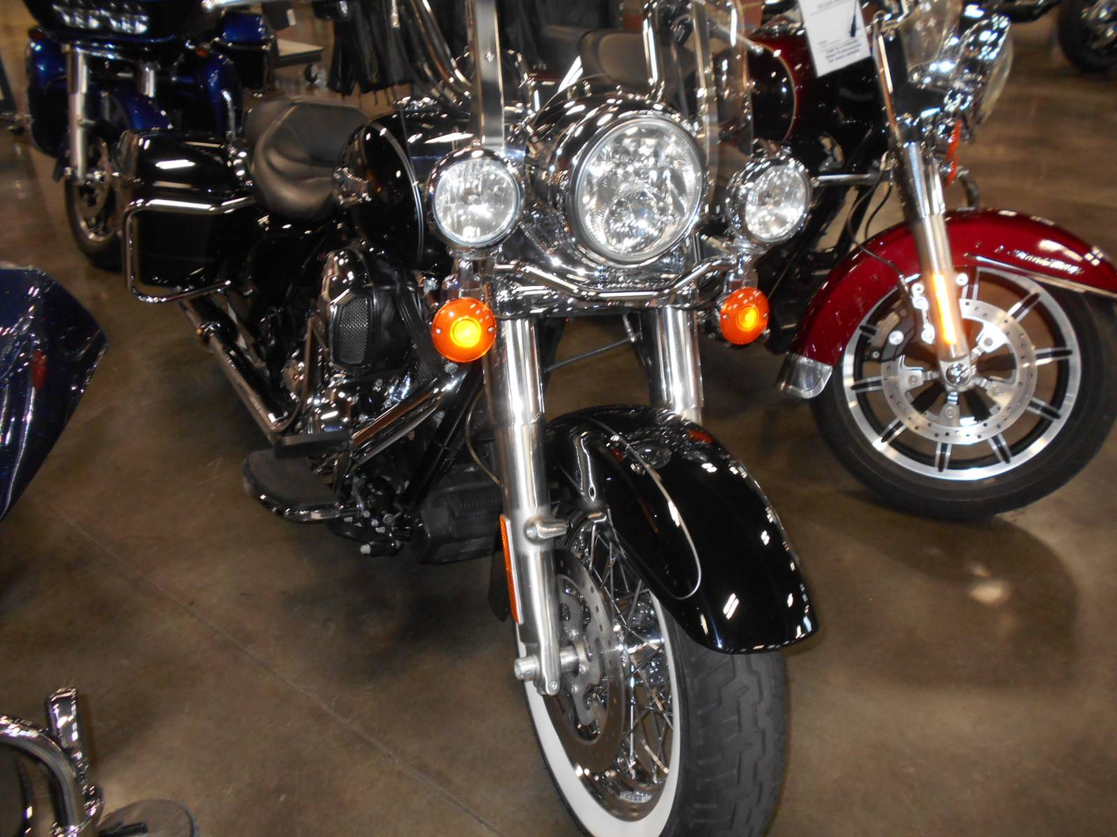 2015 Harley-Davidson Road King® in Mauston, Wisconsin - Photo 4