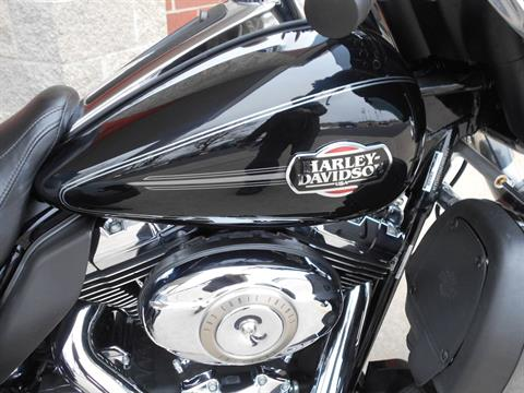 2010 Harley-Davidson Tri Glide™ Ultra Classic® in Mauston, Wisconsin - Photo 3