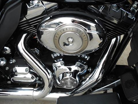 2010 Harley-Davidson Tri Glide™ Ultra Classic® in Mauston, Wisconsin - Photo 6