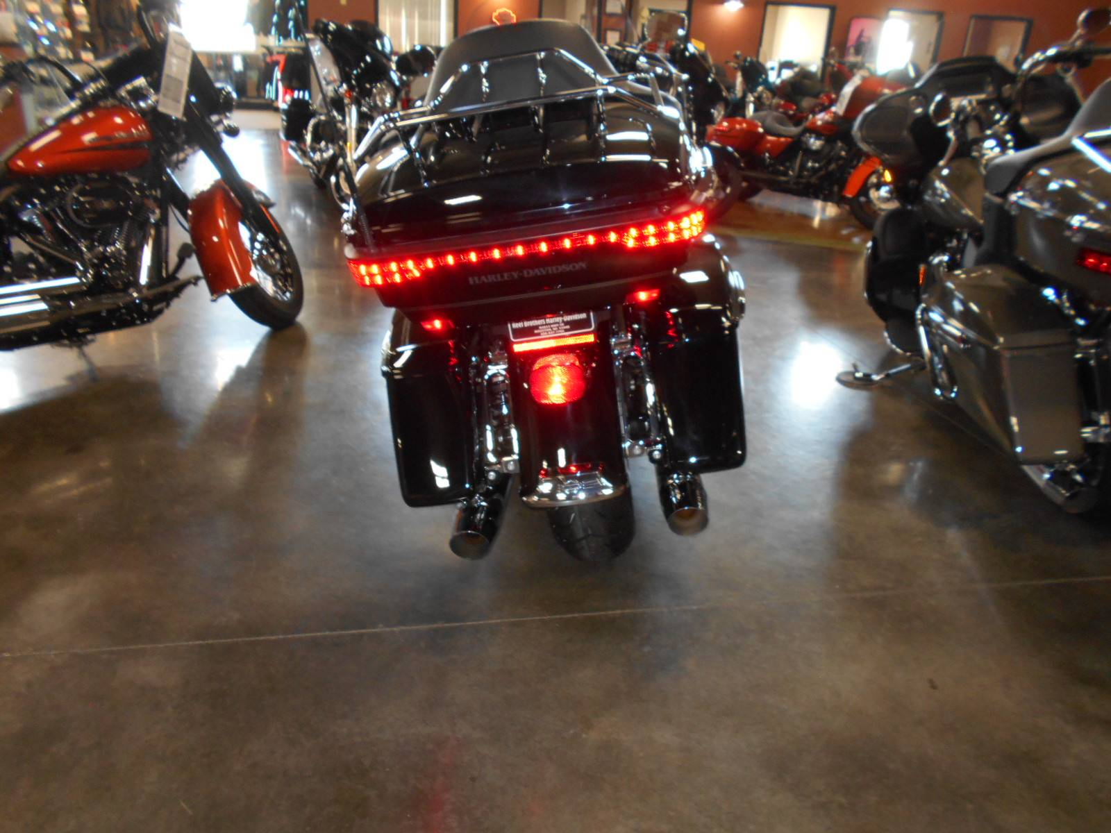 2017 Harley-Davidson Road Glide® Ultra in Mauston, Wisconsin - Photo 5