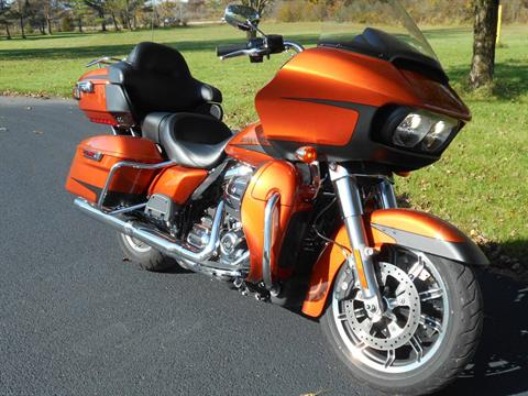 2019 Harley-Davidson Road Glide® Ultra in Mauston, Wisconsin - Photo 3