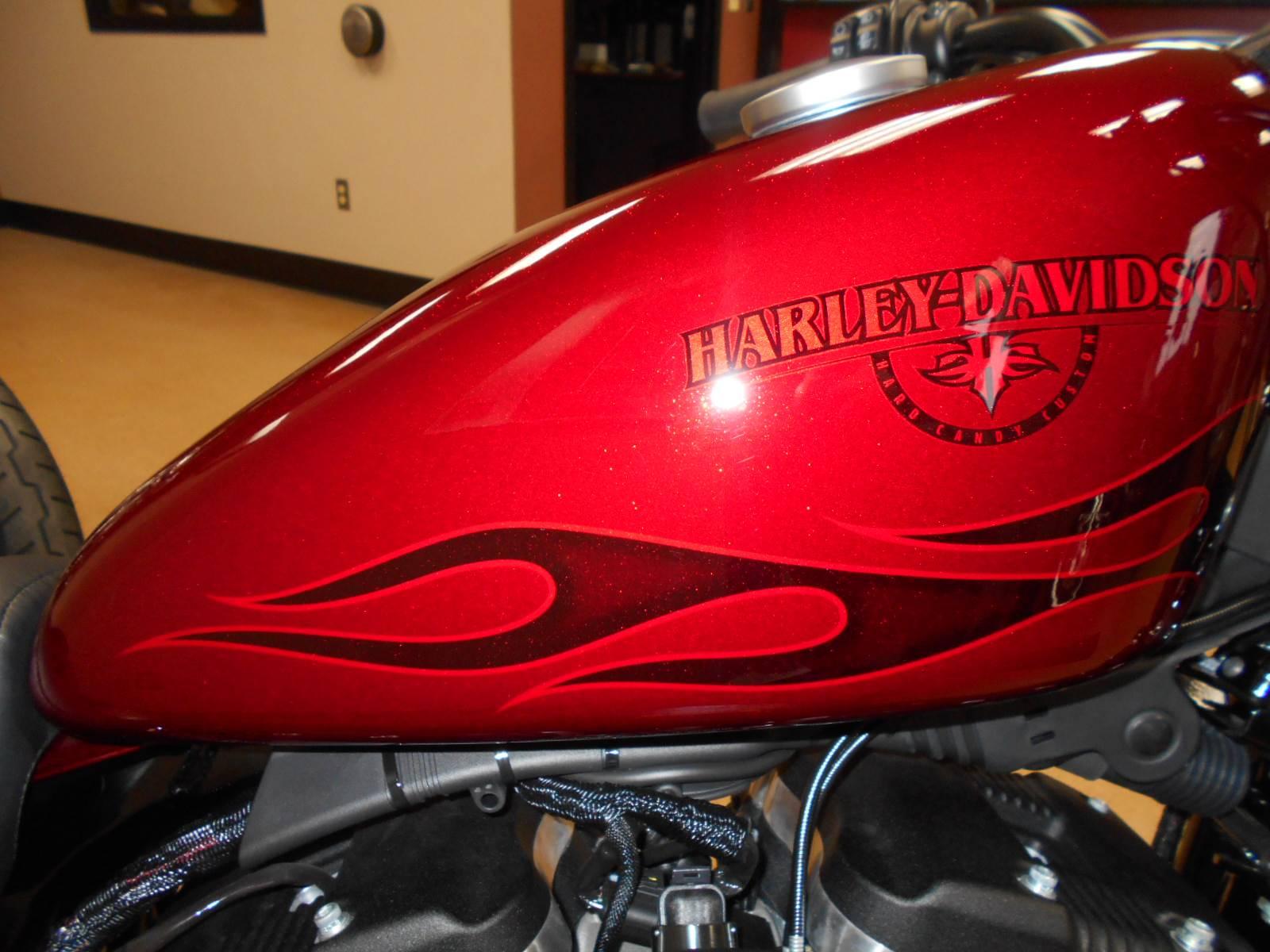 2017 Harley-Davidson Iron 883™ in Mauston, Wisconsin