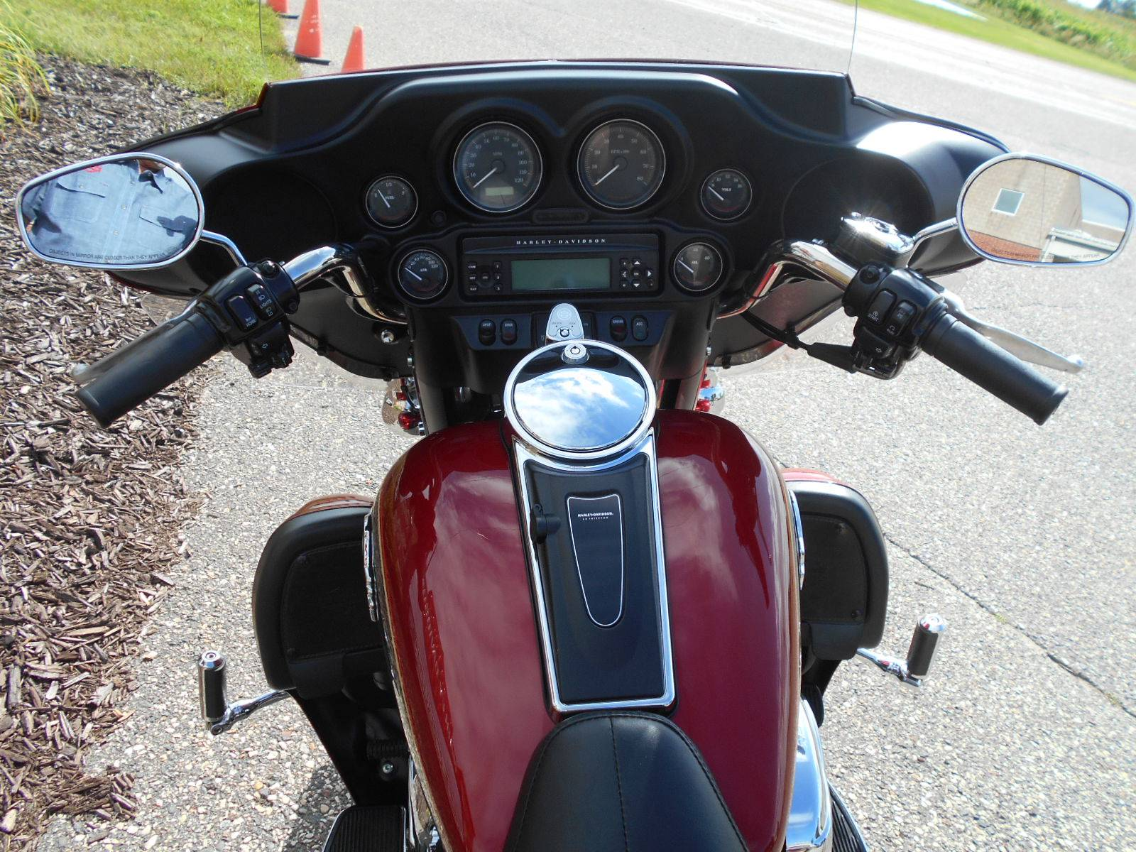 2007 Harley-Davidson Ultra Classic® Electra Glide® in Mauston, Wisconsin - Photo 9