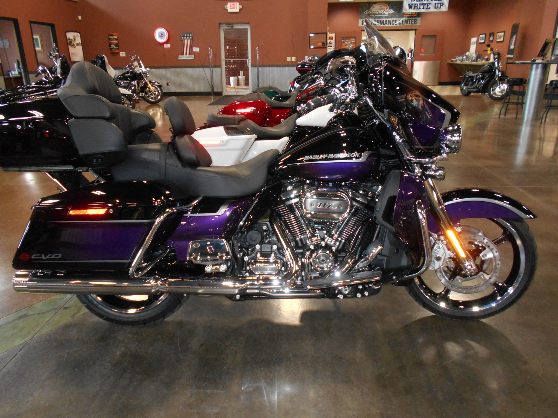 2021 Harley-Davidson CVO™ Limited in Mauston, Wisconsin - Photo 1